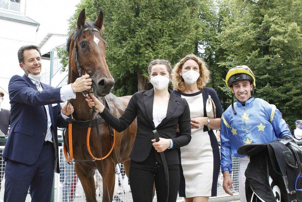 El Sur Jochen et Simone avec la gagnante La Estrellita